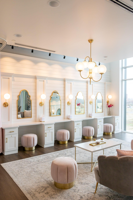 Una Suite Nupcial Apto Para Una Reina Bridal Suite Room Bridal Suite Decor Bridal Dressing Room Luxurious bridal room pictures