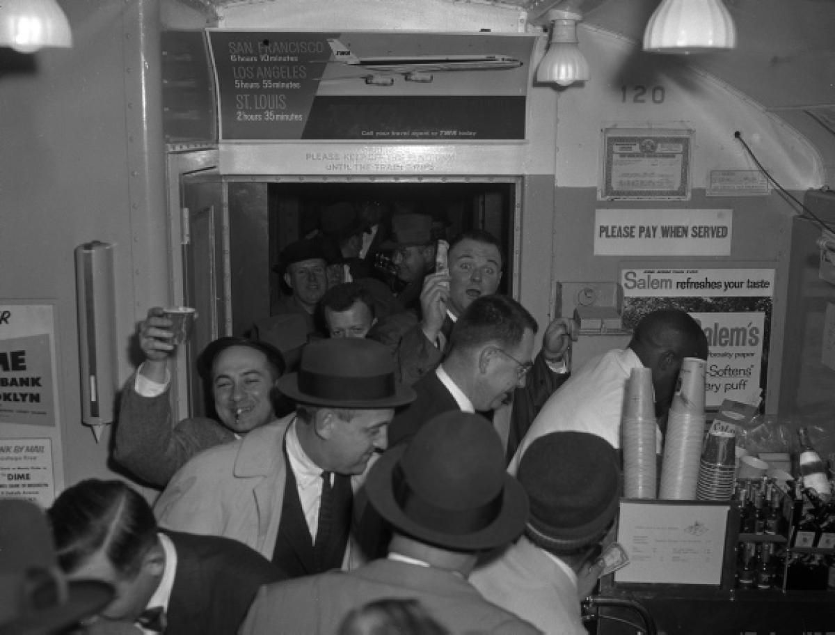 LIRR Bar Car, 1960 - Photos - New York: The 1960s in 2019 ...