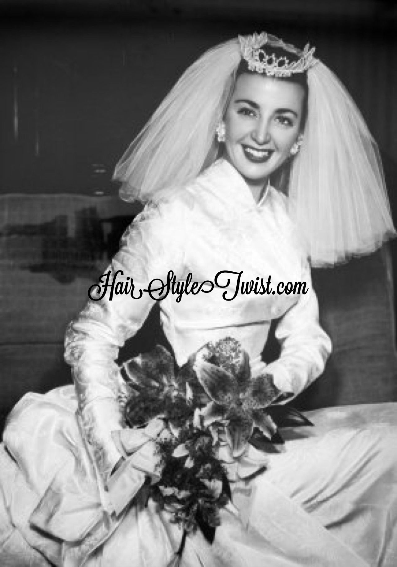 gorgeous bride with tiara and veil from the 1950\'s | Women in the ...
