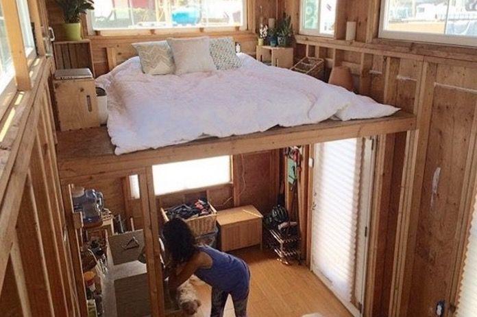 Man Building A Cheap Diy 200 Sq Ft Tiny Home On Wheels Cheap