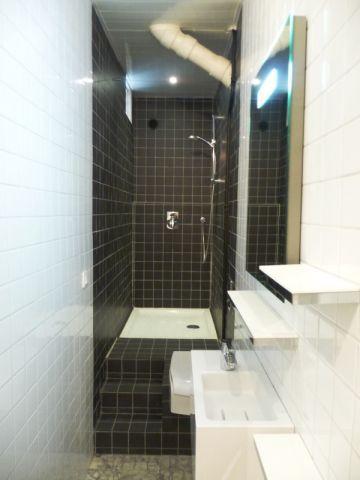 une vraie salle de bains am nag e dans 3m2 salle de bain pinterest perspective couloir. Black Bedroom Furniture Sets. Home Design Ideas