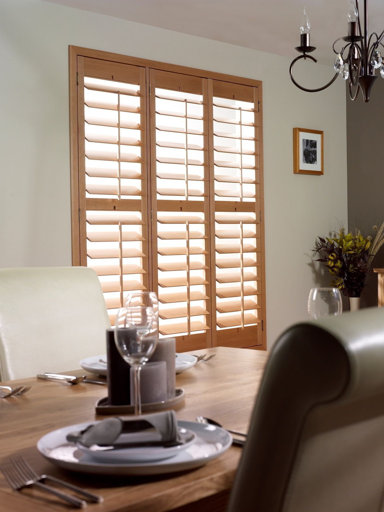Shutters By Apollo Blinds Modern Window Dressing Dining Room Shutters Dining Room Decor Contemporary Modern Window Dressing Contemporary Home Decor Blinds