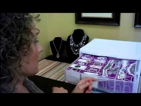 This is an awesome way to organize your new jewelry ladies!  :)