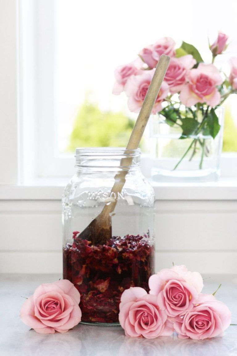 Rose Petal Vinegar For Skin Hair Ways To Use It Prirodni Prirodni Kosmetika