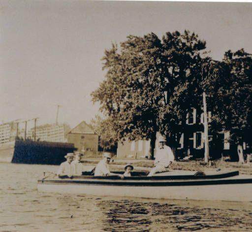 Boating in Delaware City :: Delaware Public Libraries