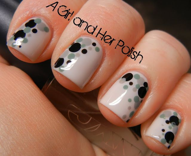 Dotted nails.  Would be fun to do this in Giants colors