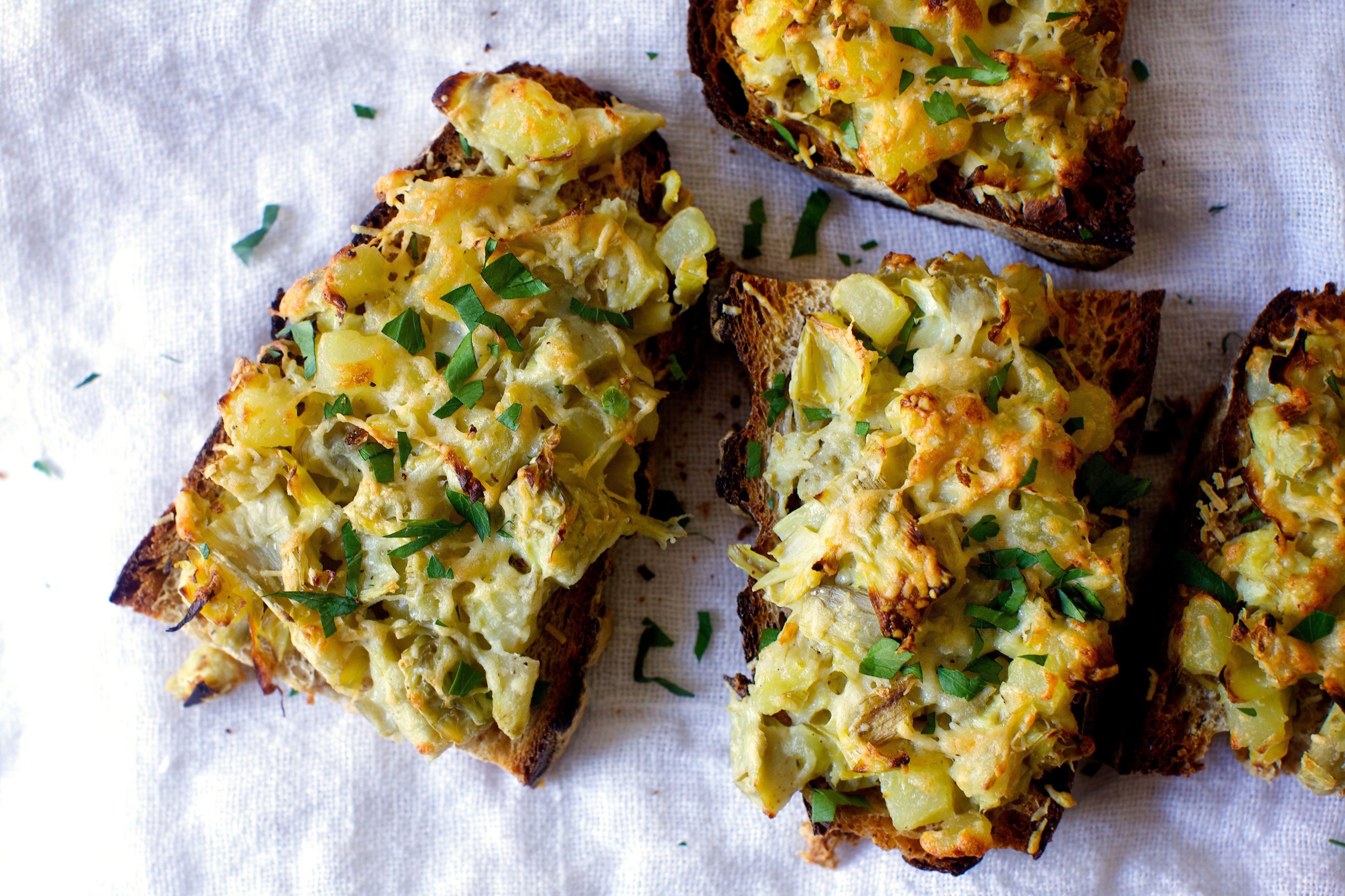 Artichoke Gratin Toasts Smitten Kitchen Recipes Appetizer