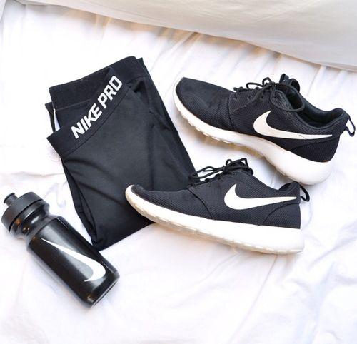 Nike pros, roshe runs❤️