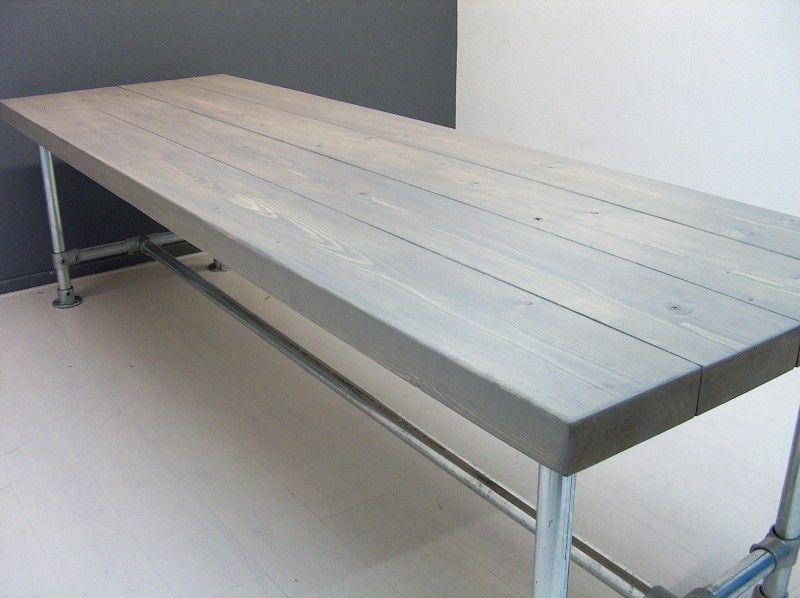 Tafel nieuwe balken cm steigerbuis met greywash งานเหล็ก