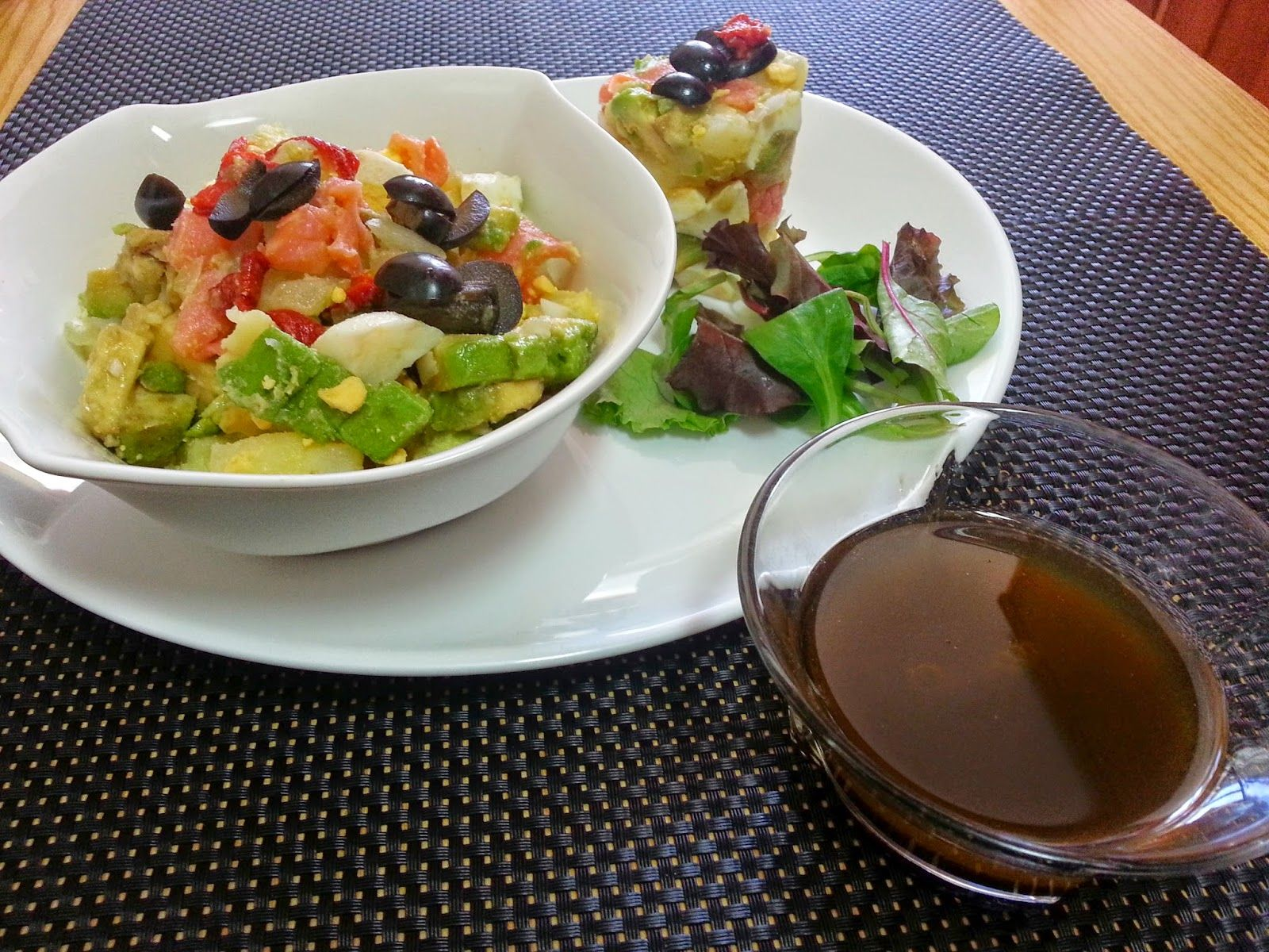 RECETAS DE CASA: Ensalada de salmón, aguacate y patata con vinagret...