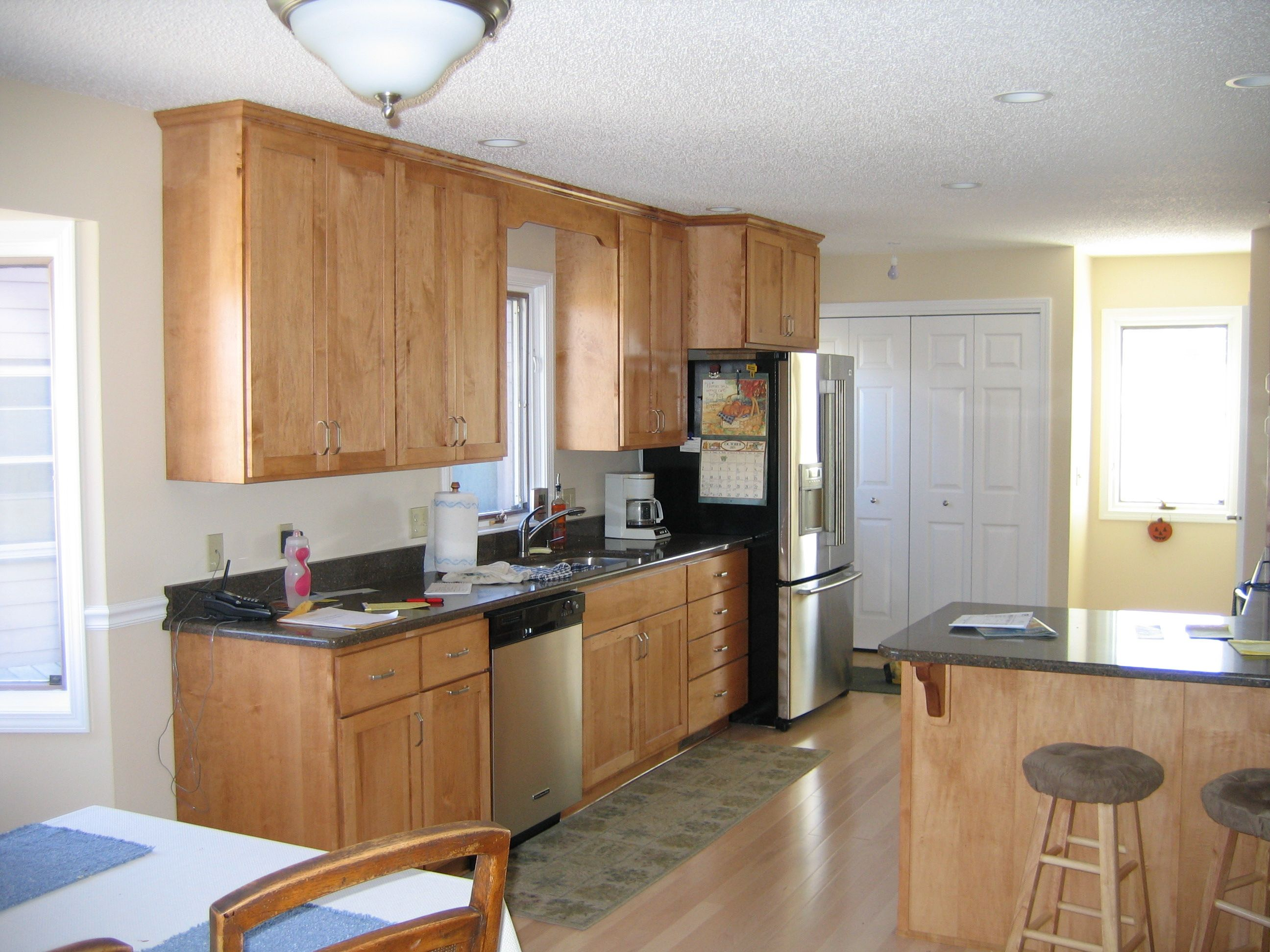 Light Maple Cabinets To Ceiling Google Search Custom Kitchen Cabinets Maple Kitchen Cabinets Kitchen Cabinets