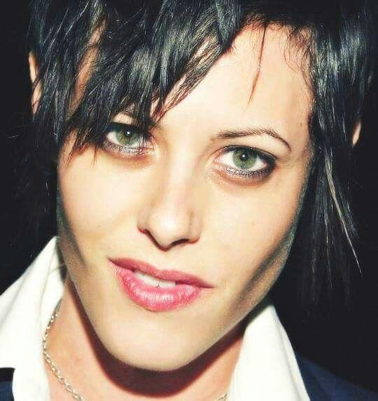 Pin By Sheree On Lesbian Katherine Moennig Shane Mccutcheon