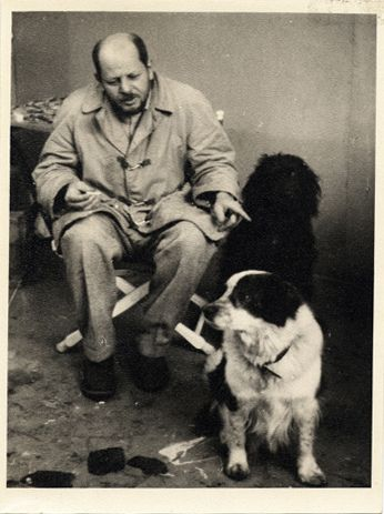 Jackson Pollock with his dogs, ca. 1955.