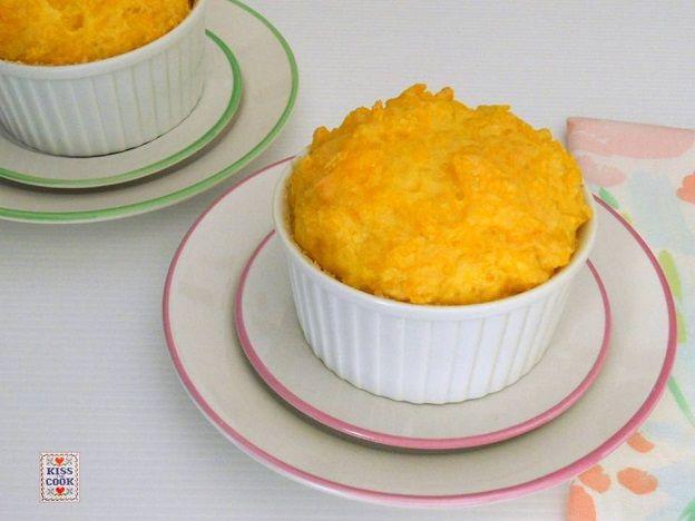 Soufflé di risotto: un modo diverso di cucinare il riso o di riutilizzare del riso avanzato.