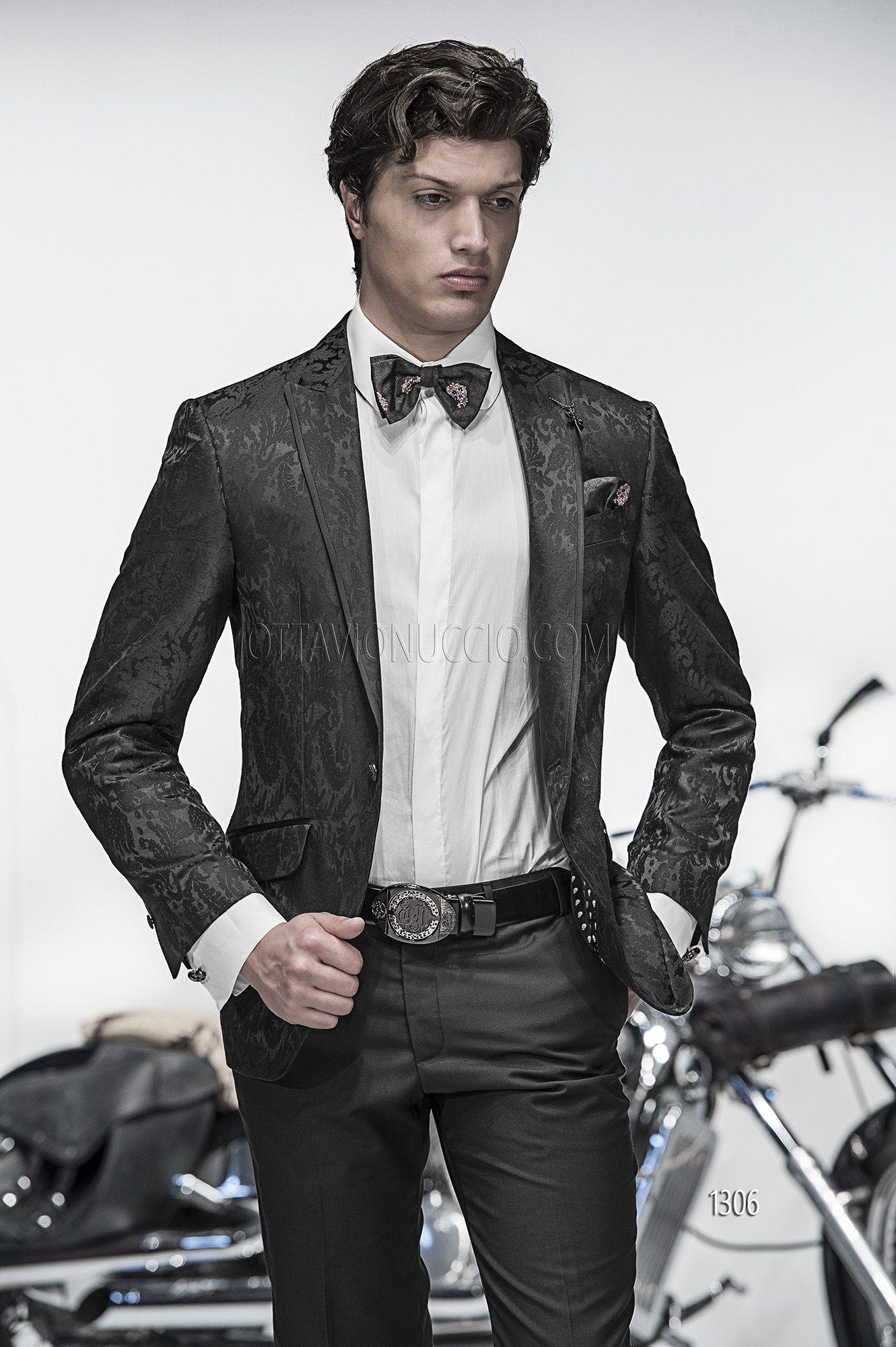 nuovo arrivo ca4cd 58ac2 Abito sposo con giacca damascata nera e pantalone di raso ...