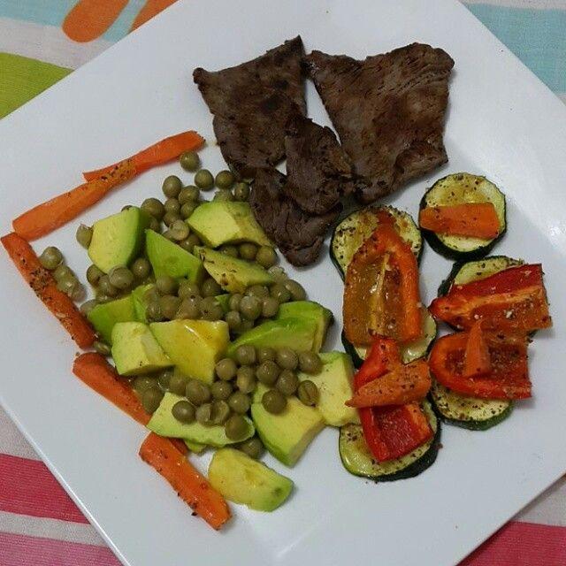 Almuerzo Sencillo Y Rápido Para Cuando Estamos Enfermos Y No Queremos Cocinar Eso Si Lleno De Muchas Verduras Porque Ayer Comida Saludable Verduras Comida