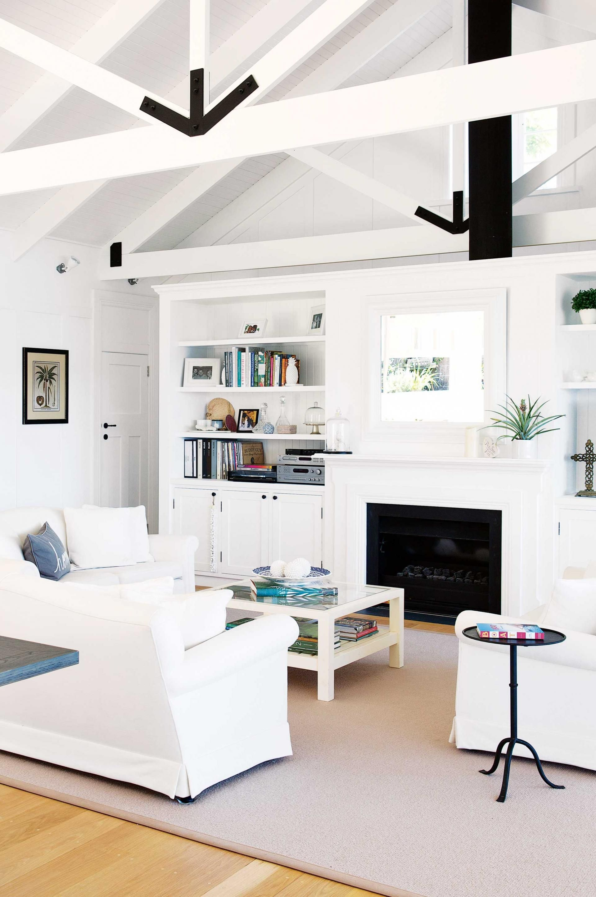 8 tips on how to create a luxury beach house styling by maria dyoniziak - Inside Luxury Beach Homes