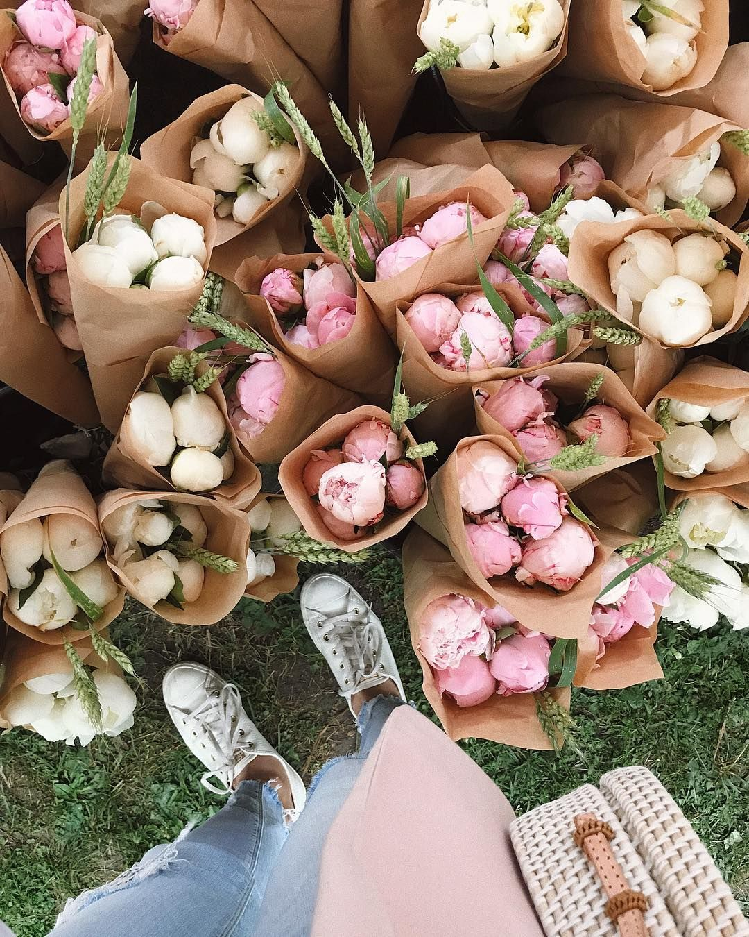 Toronto Is Hosting A Massive Outdoor Flower Market All Summer Long Flower Market Outdoor Flowers Flowers