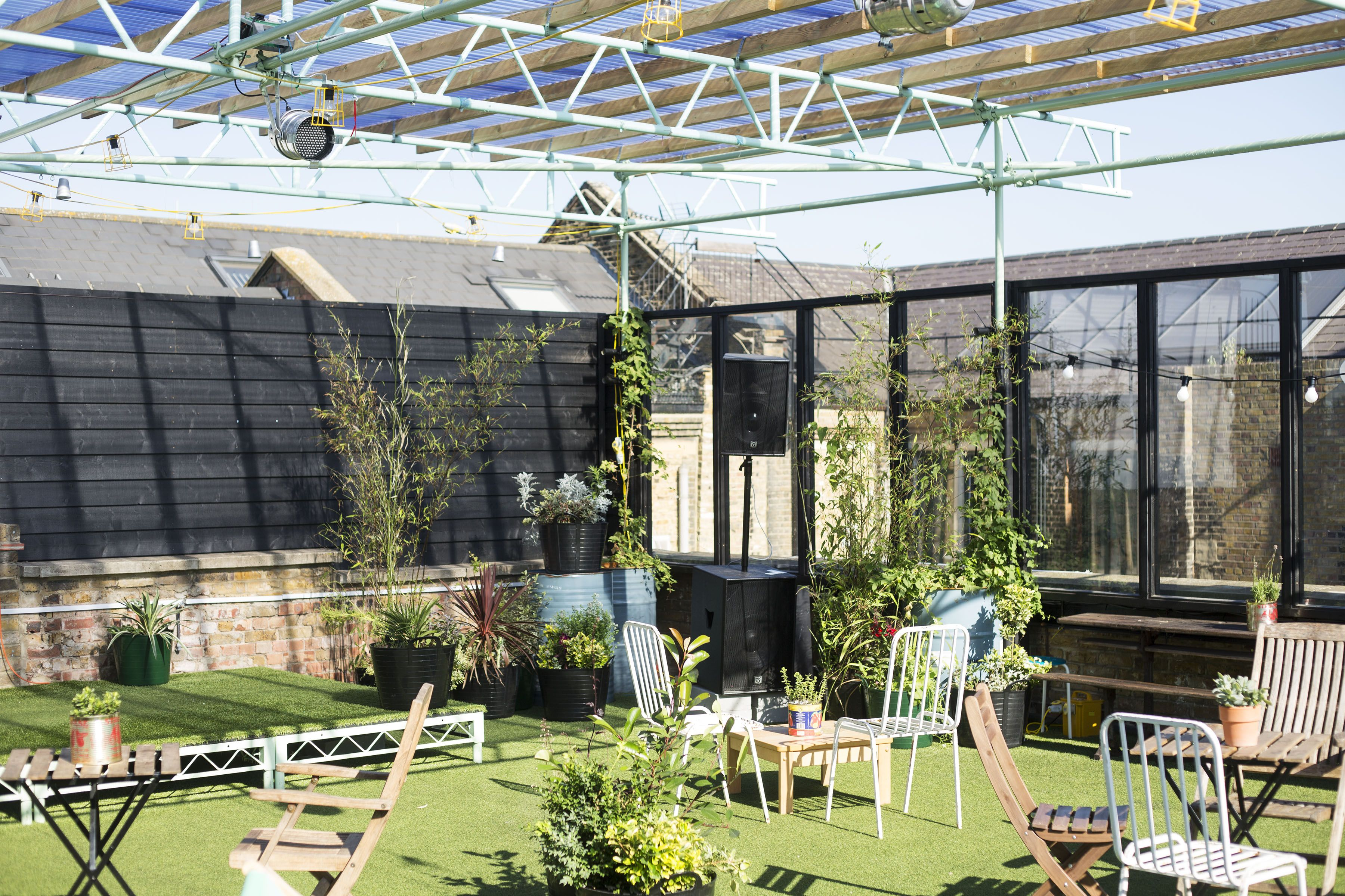 Nestled Amongst Hackney S Victorian Buildings And Overlooking London S Skyscrapers Dalston S Only Rooftop Best Rooftop Bars Rooftop Bar Victorian Buildings