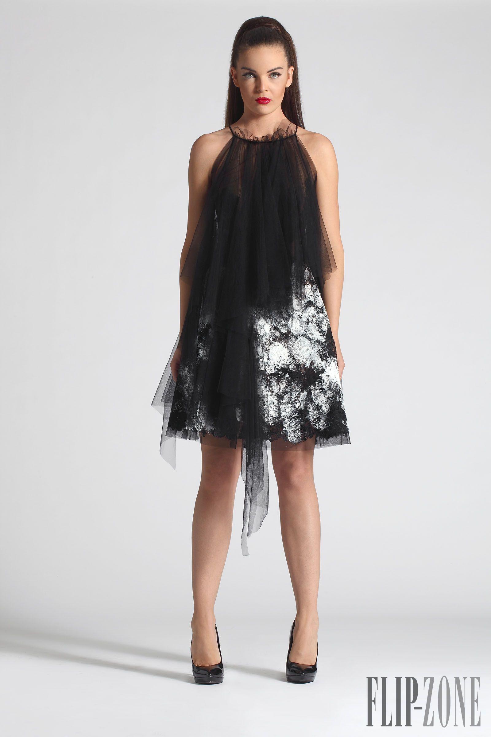 """Corpbeau """"Kika"""", P-É 2014 - Haute couture - http://fr.flip-zone.com/corpbeau-5233"""