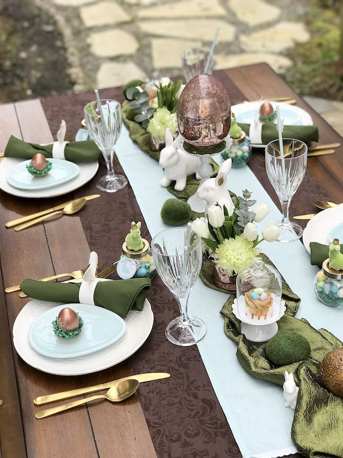 Dining table place settings from an easter garden brunch for Easter dinner table setting ideas