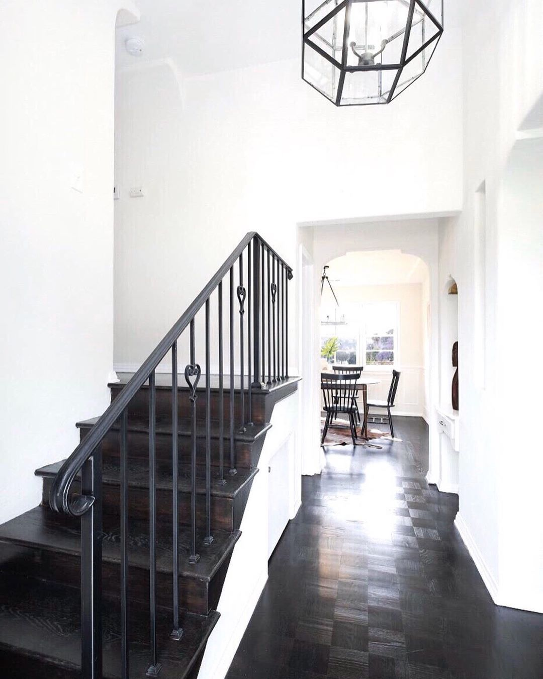 Staircase Ideas For Your Hallway That Will Really Make An: Pin On Hallways