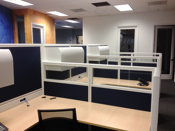 Custom Cubicles Were Ordered To Set The Sophisticated And Modern Tone Of This Office Space Customcubicles Officefurniture Florida