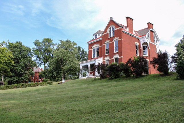 4 stunning kentucky homes we wish we could buy country homes rh pinterest com
