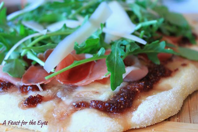 fig and prosciutto pizza. I must try this!