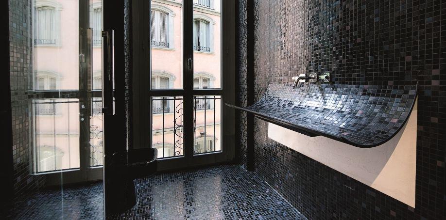 Lavabo Skin mosaic curved sink | Lago Tile