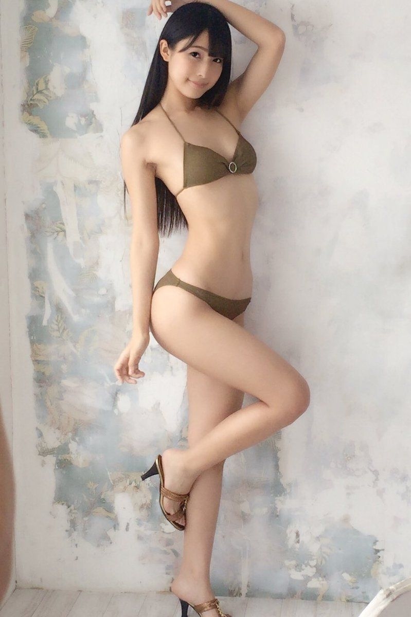 川崎あや、驚異の美くびれで魅惑ボディ披露<ア …