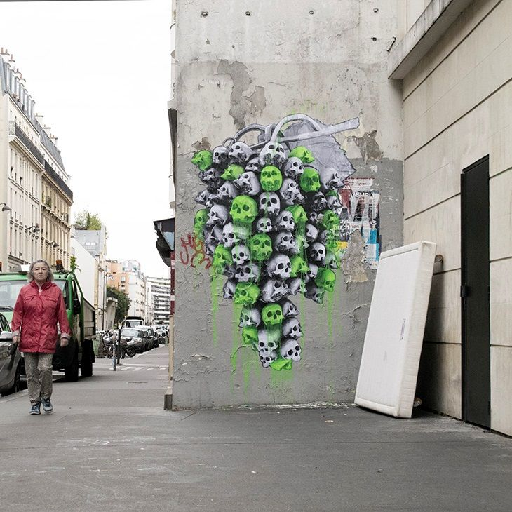 French artist Ludo is back with two brand new large-scale pieces that just appeared somewhere on the streets of Paris in France. As usual with the street artist, he brought to life some of his signature imagery which will surely be enjoyed by the local residents. Mixing modern elements with traditional nature, Ludo twists shapes and forms to create his own hybrid versions.  #Streetart #Allpublicart #artwork #Murals #Paris #France #Ludo #FrenchArtist #Art