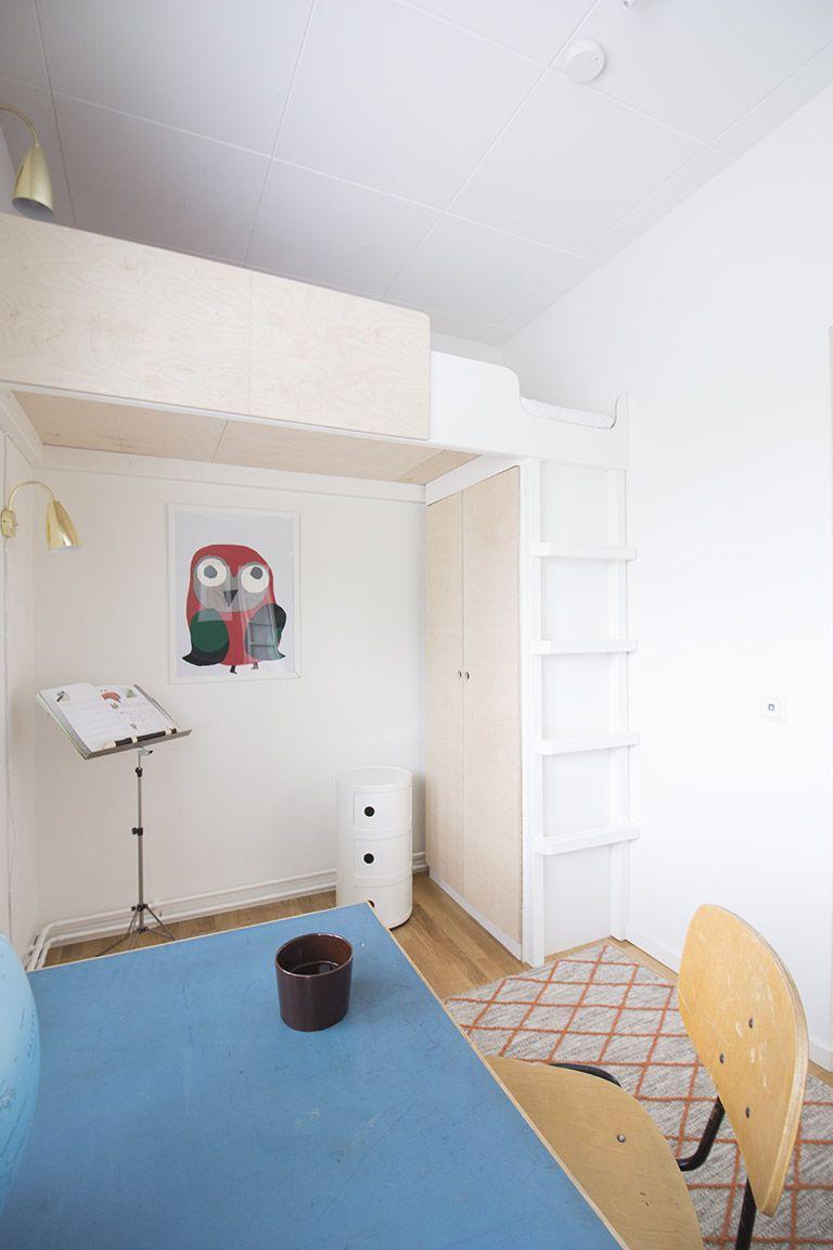 Sisustuskohteessani Helsingissä asiakkaat toivoivat säilytysratkaisuja lastenhuoneeseen. Huoneen koko oli haastava -leveyttä oli vain kak...