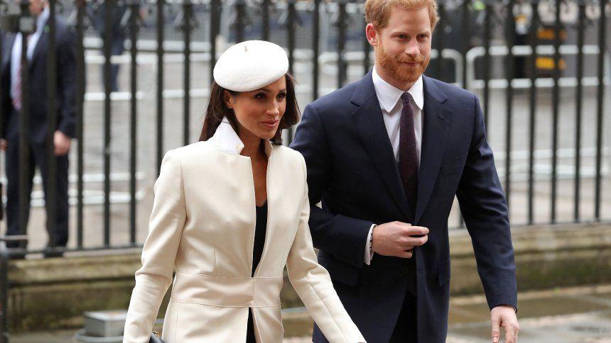 Hochzeitstorte Von Meghan Markle Und Prinz Harry Fruhlingsaromen