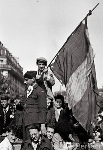Victory day Paris 1945 | World war two, World war, Wwii