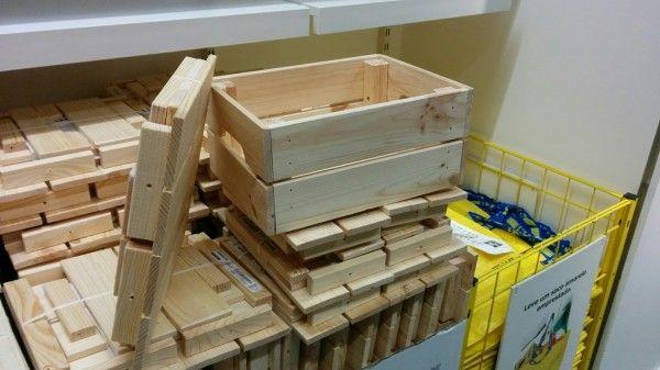 Astuces Ikea Pour Decorer Et Gagner De La Place Buanderie Cuisine Ikea Decor Diy Caisse Bois