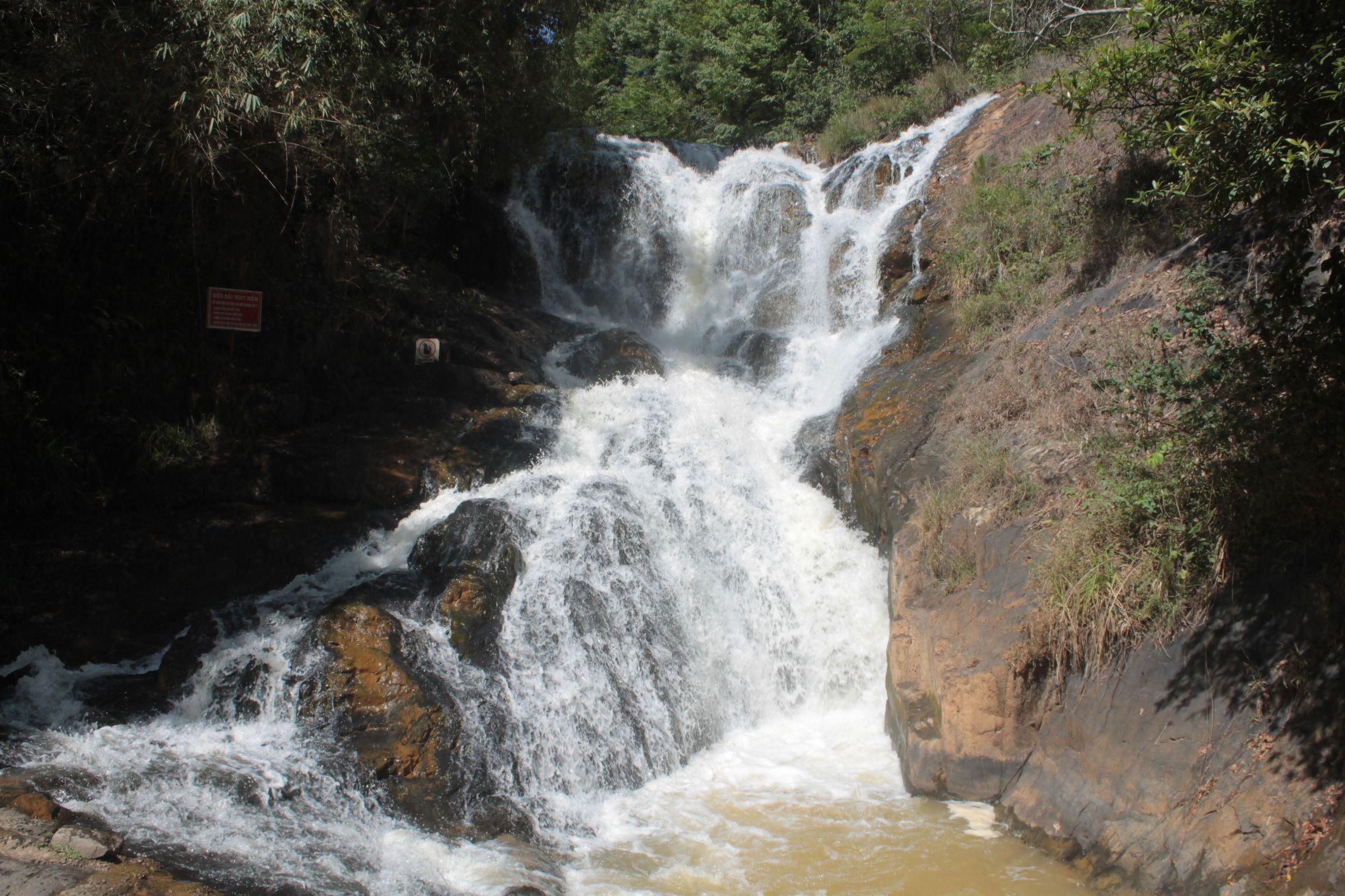Cascadas a 7Km de Dalat