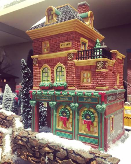 Department 56 Christmas in the City Village Murphys Irish Pub Lit House