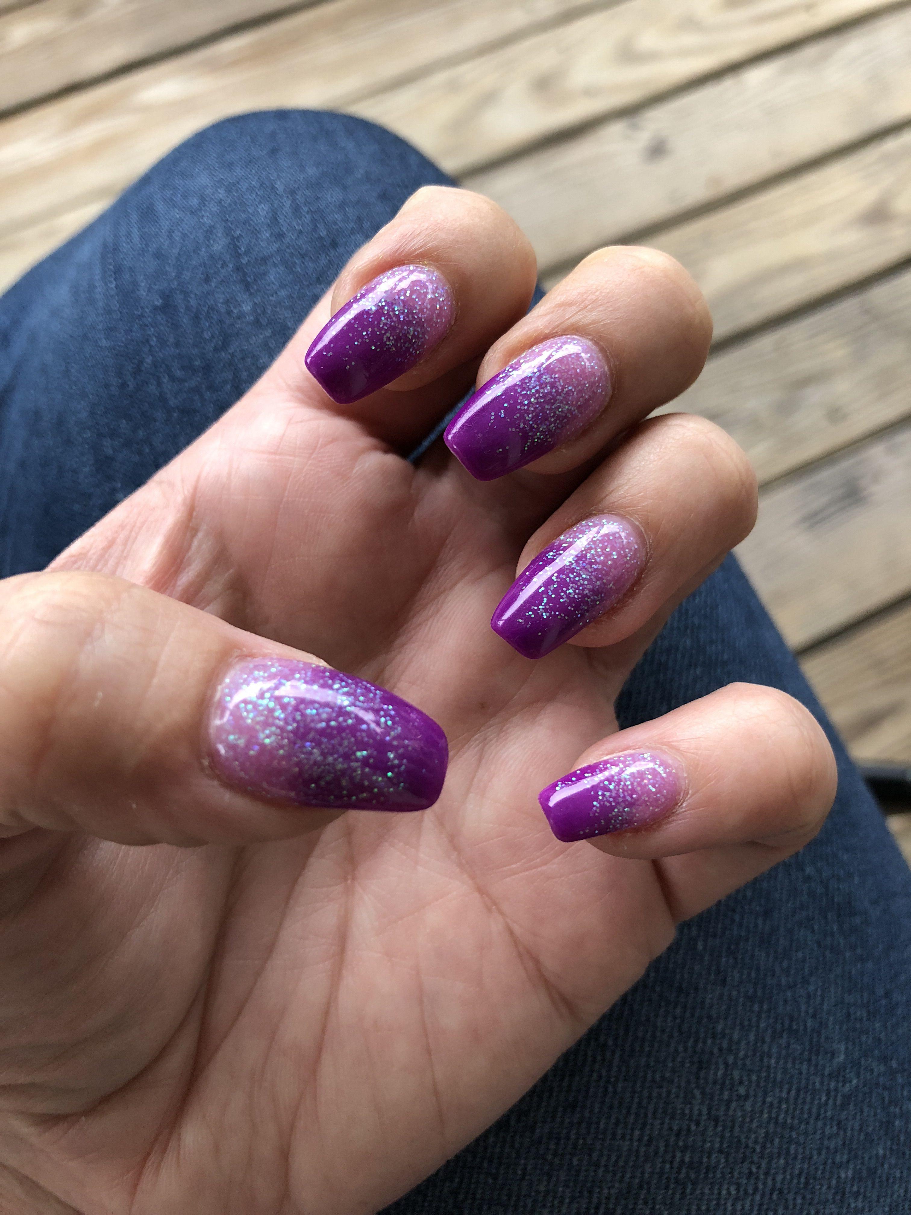 Purple ombré powder dipped nails
