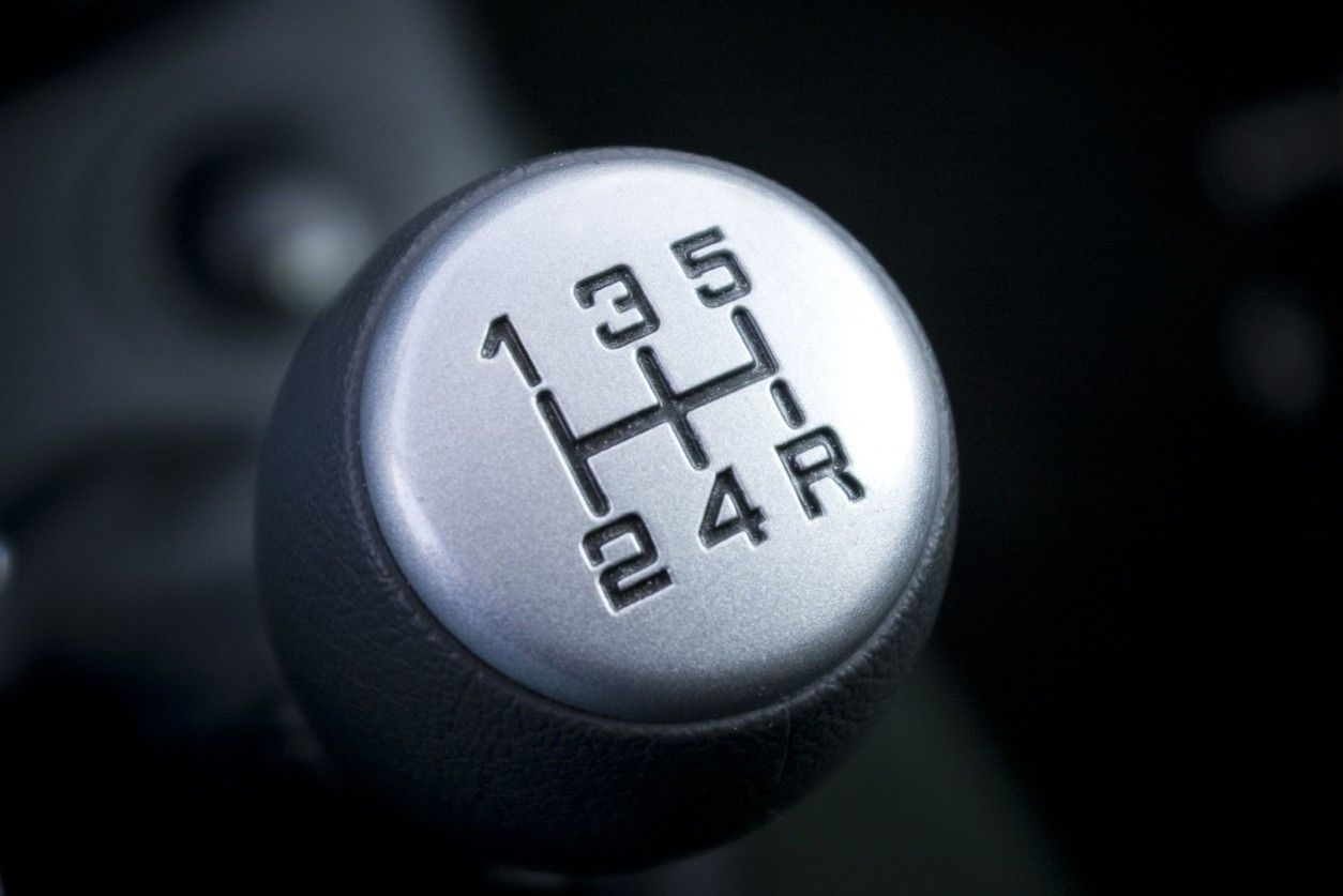 How to drive stick in a manual transmission car | Reads