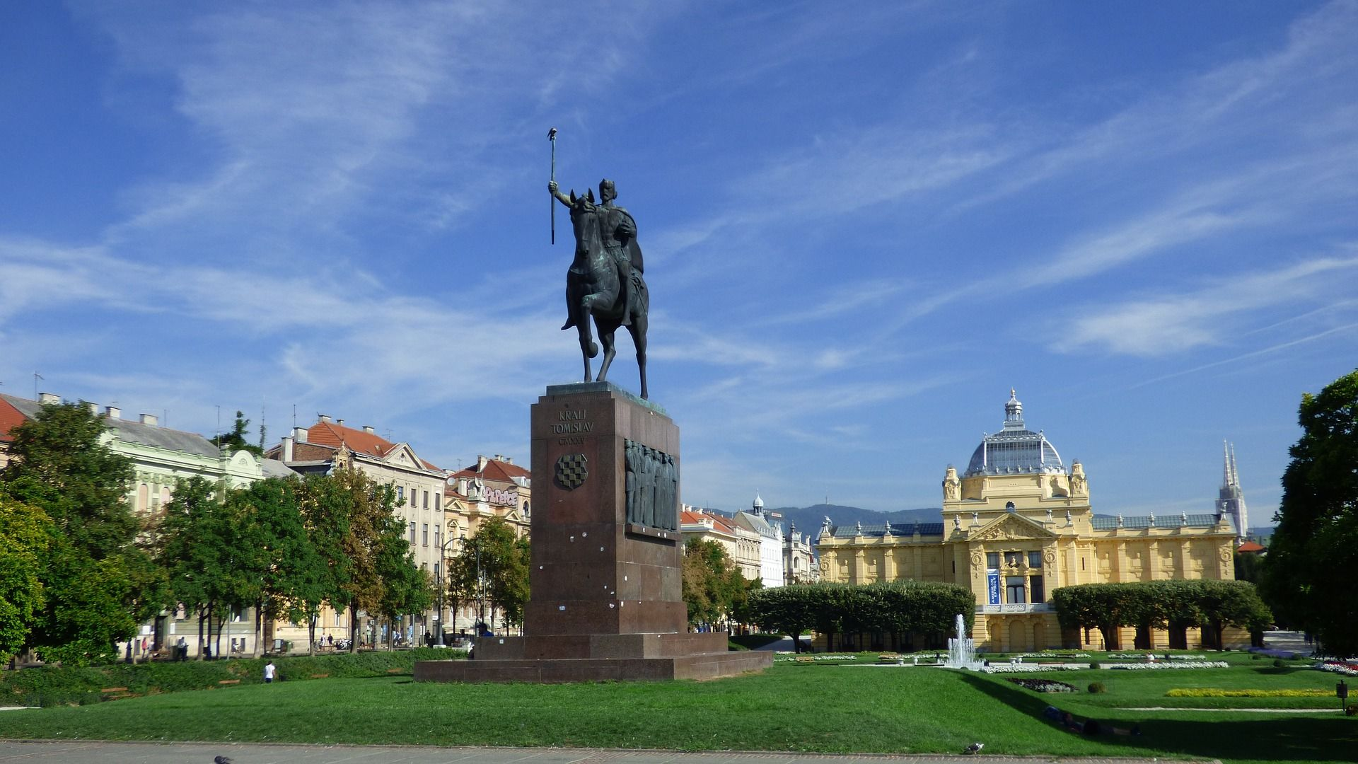 A Tour Only For You If You Want To Experience Zagreb From First Hand And Have The Tour Guide Only For Yourself Cheap City Breaks Zagreb Croatia Destinations