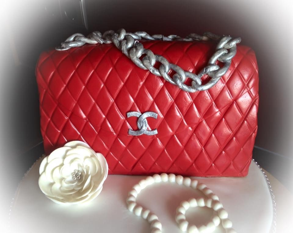 torte rote chanel tasche red chanel bag cake schuhe taschen pinterest torten taschen. Black Bedroom Furniture Sets. Home Design Ideas