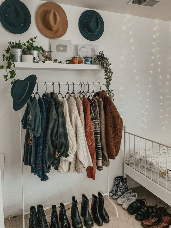 Image Uploaded By Cristina Find Images And Videos About Vintage Aesthetic And Goals On We Heart It Th Apartment Decor Bedroom Inspirations Room Inspiration