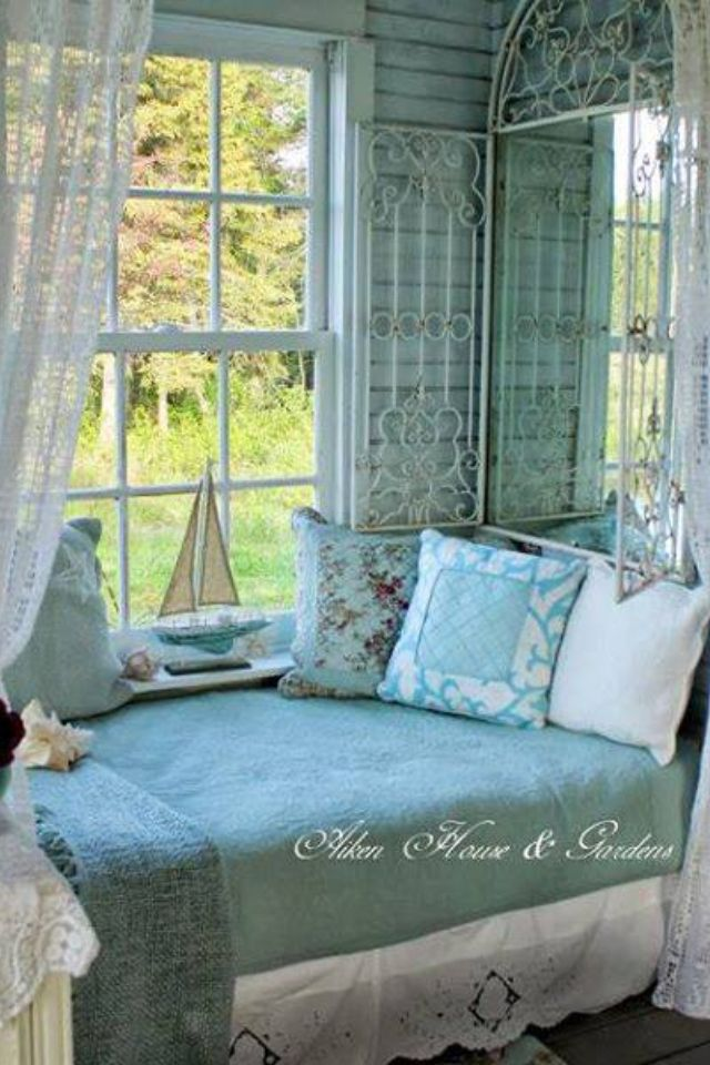 Beach Cabin antique style ♡♡♡♡   Shabby chic   Pinterest   on fishing cabin bedrooms, decorating cabin fireplaces, decorating cabin style, decorating cabin doors, decorating cabin kitchens, decorating cabin sunrooms, christmas cabin bedrooms, decorating cabin bathrooms, house cabin bedrooms,