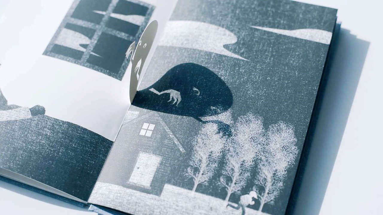 This Lovely Interactive Picture Book Uses Light And Shadow To Tell An Ever Changing Story Interactive Book Pop Up Book Book Design