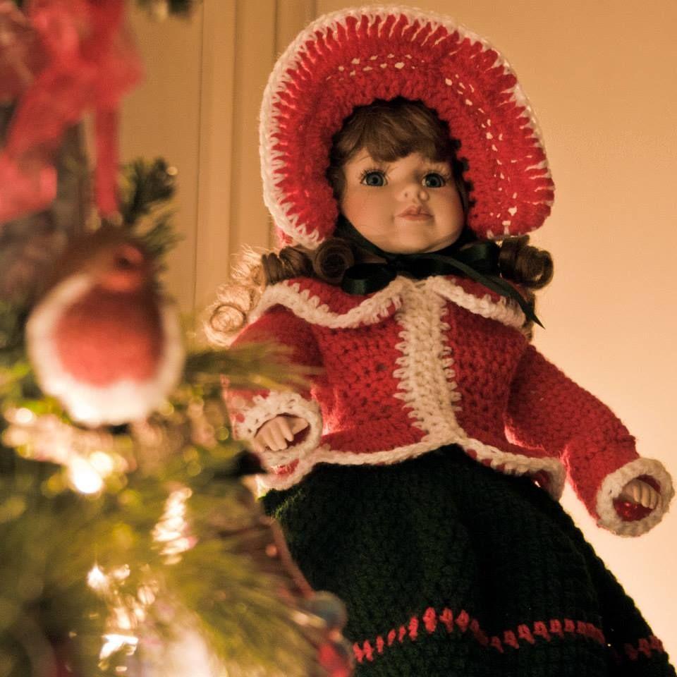 Christmas Carol Singer. Crochet designed by Mary Keenan ...