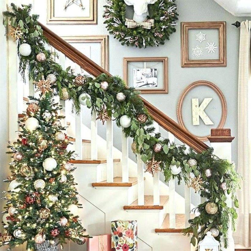 41 Beautiful DIY Hang Ornaments Stair Railing for ...