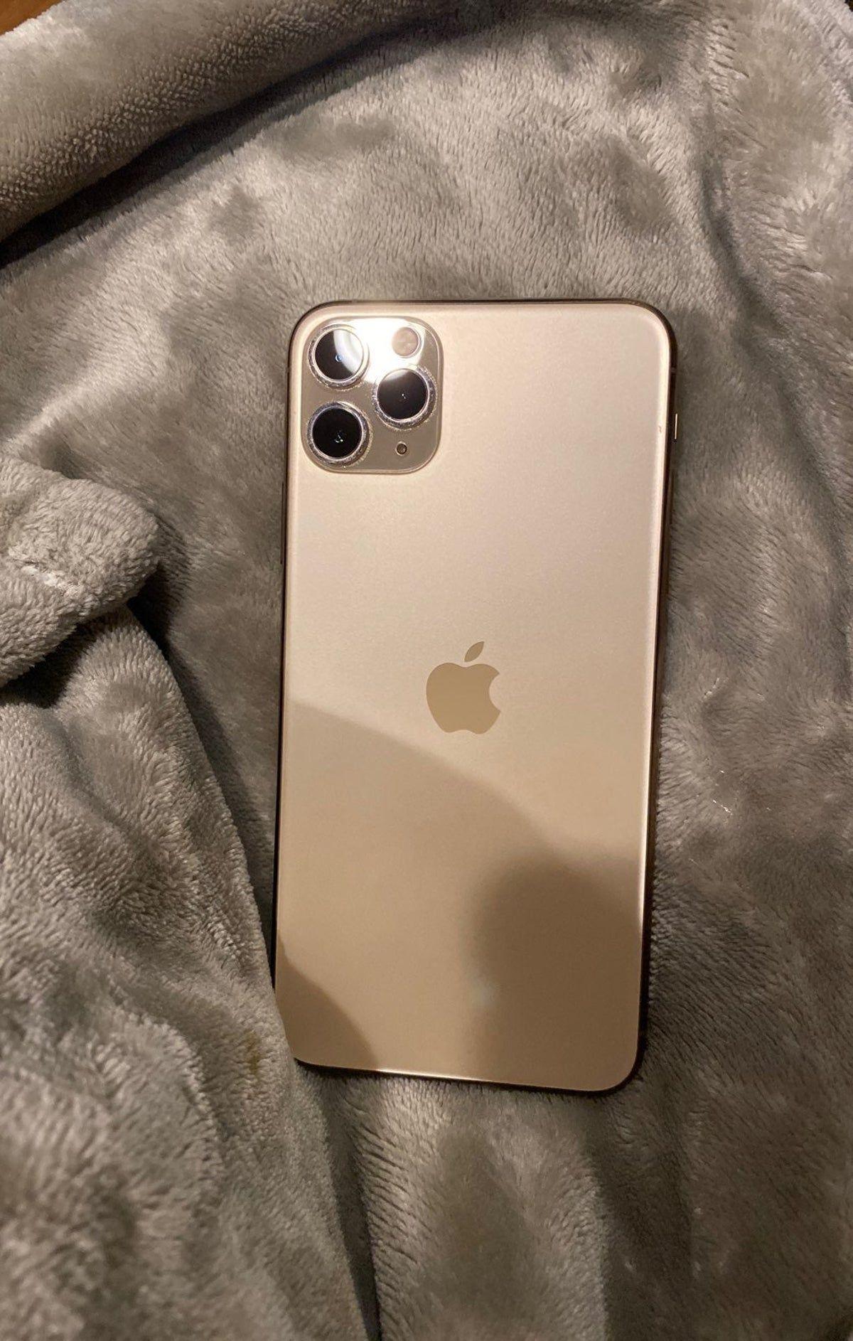 Iphone 11 Pro Max Rose Gold 512gb On Mercari Iphone 11 Pro Max Rose Gold Iphone Iphone 11 Pro Max Gold