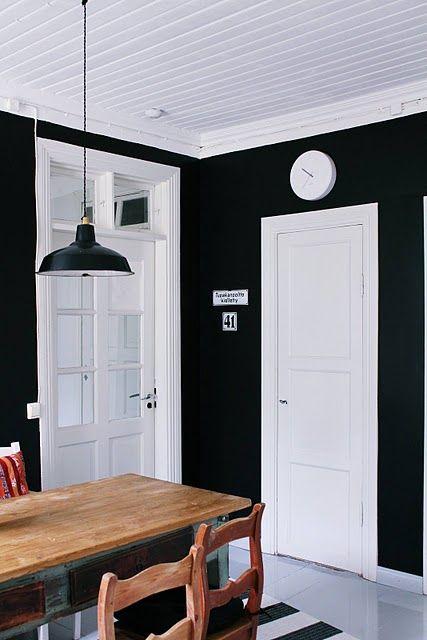 Yllättävän kiva musta seinä!