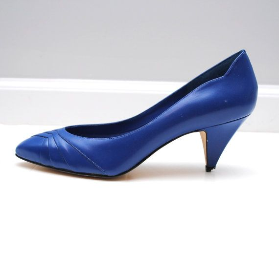 vintage 80's royal blue kitten heels size 8 by ilonaanne on Etsy ...
